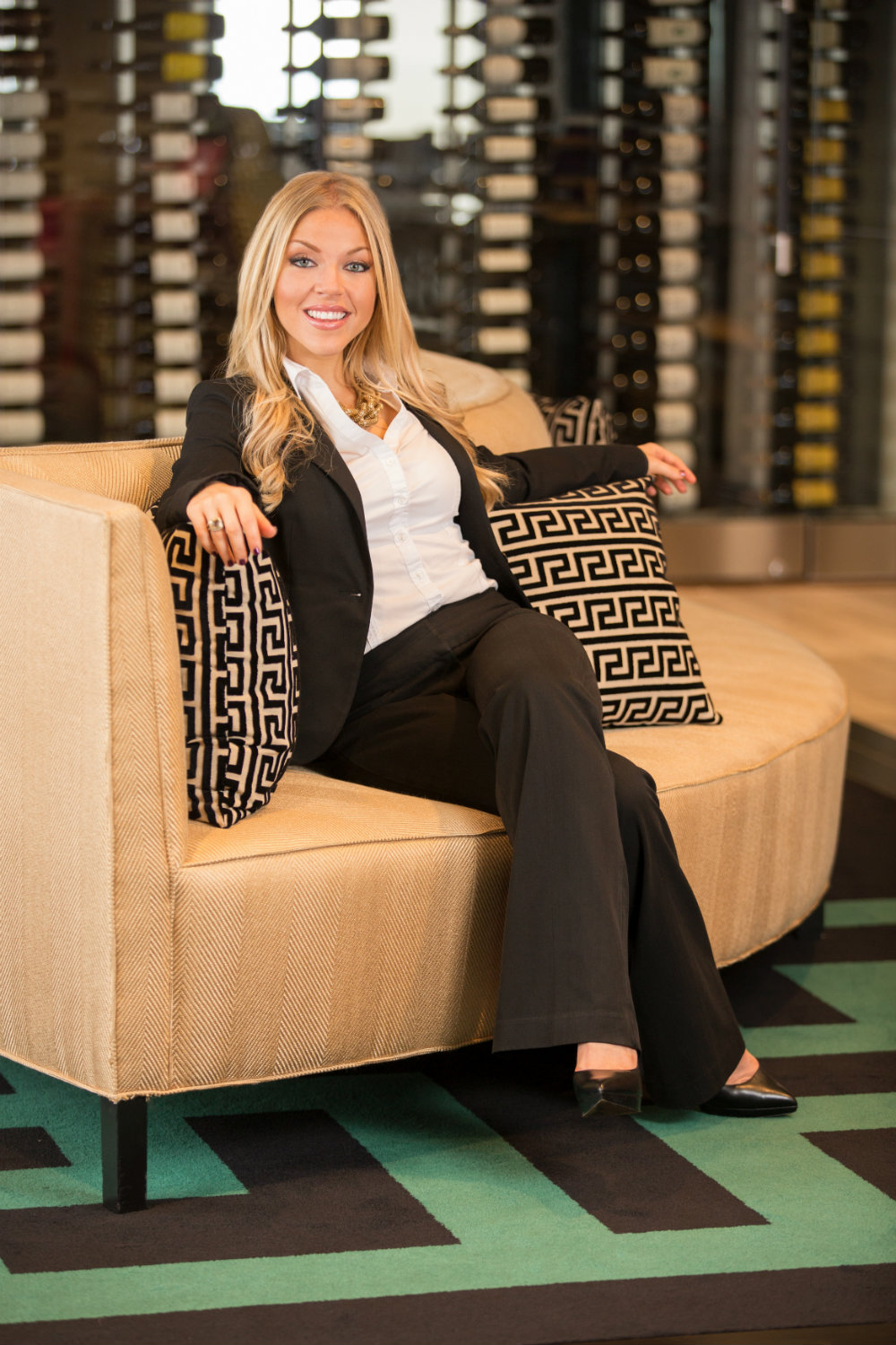 Female-Executive-Lifestyle-Portait-In-Downtown-Raleigh-3